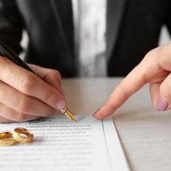 Алименты и развод в одном иске или отдельно?