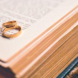 Зарегистрировать брак теперь можно не выходя из дома